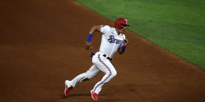 Derek Dietrich shows 'em how it's done as Rangers rally over Mariners