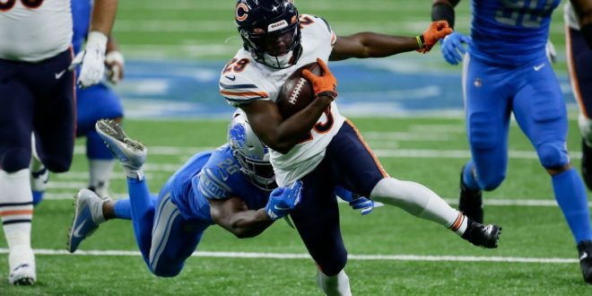 Chicago Bears reach 3-year extension with RB Tarik Cohen
