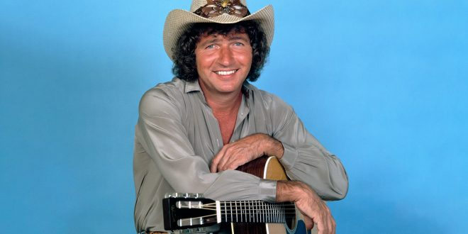 Mac Davis, Country Singer and Elvis Presley Songwriter, Dead at 78