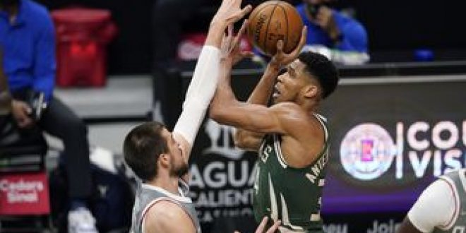 Clippers light it up from deep, topple Bucks 129-105