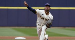 Hiura goes yard in Brewers' 7-5 loss to White Sox