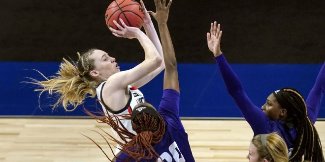 Bueckers sets UConn tourney debut record in win