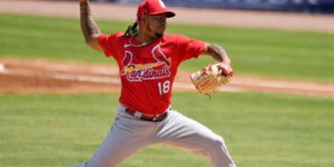 Martínez pitches three uneven innings in Cards' 8-5 loss to Mets