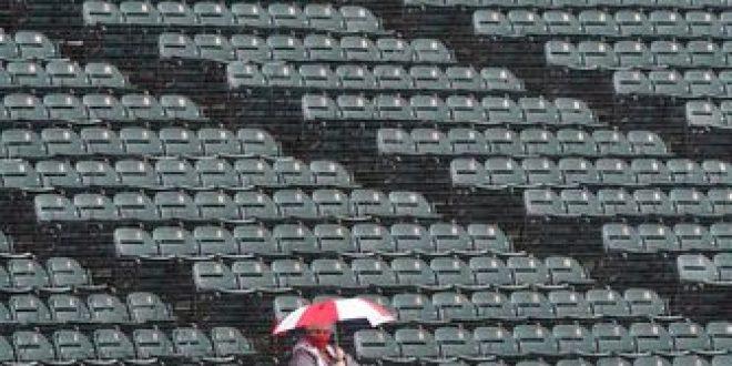 Rain forces postponement of Saturday's Royals-White Sox game