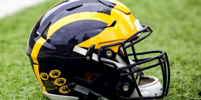 Wide receiver Worthy decommits from Michigan