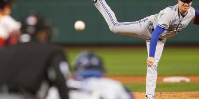 Blue Jays use seven pitchers to get past red-hot Red Sox, 6-3