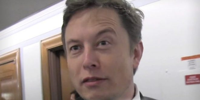 Elon Musk Fields Ideas for 'SNL' Skits a Week Before Showtime