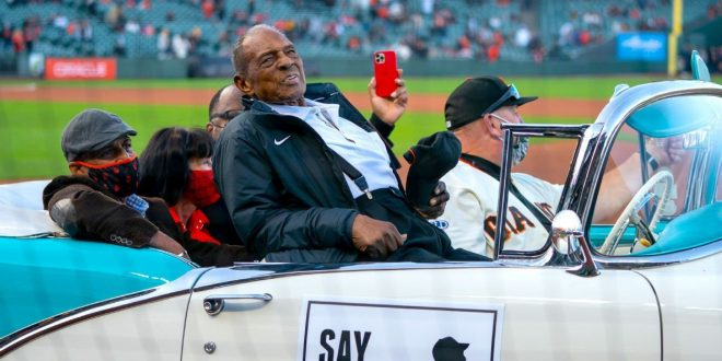 Mays arrives in style as Giants celebrate his 90th