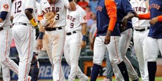 Myles Straw, Astros walk off in 11th inning after wild pitch