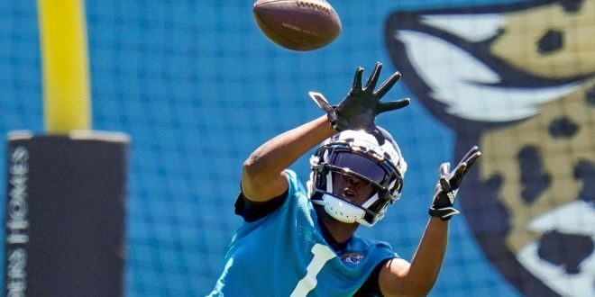 Meyer, Jags envision rookie Etienne as a 'hybrid'