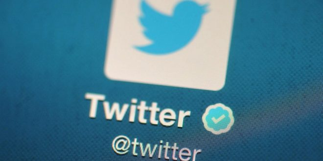 Twitter Says No More Blue Checkmarks for You