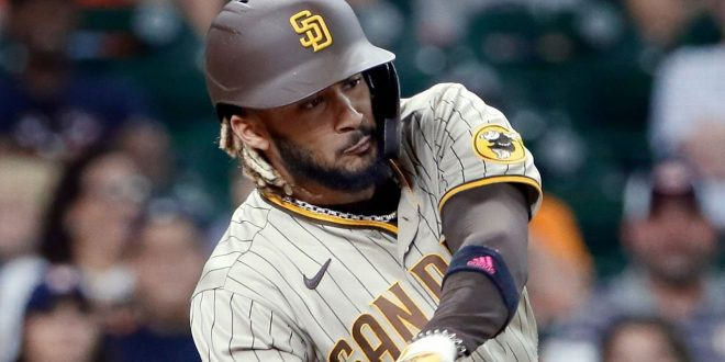 Padres to 'go day-to-day' with SS Tatis (oblique)