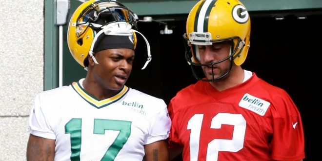 Rodgers' Packers teammates: We've got his back