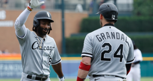 Brian Goodwin homers, drives in five in White Sox's 15-2 onslaught win over Tigers