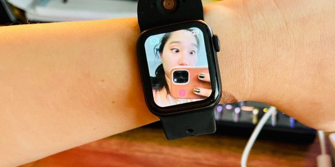 This Apple Watch Camera Band Brings Live Video to Your Wrist
