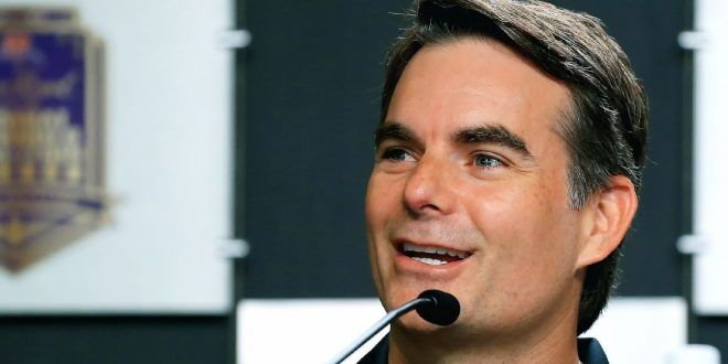 Gordon leaving booth to be No. 2 at Hendrick