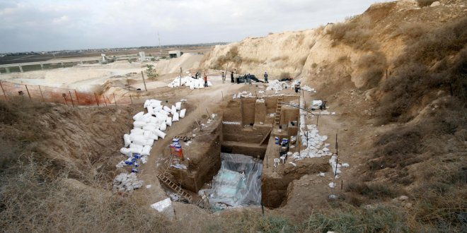 Surprising Human Remains From Israeli Quarry Complicate Our Evolutionary Picture