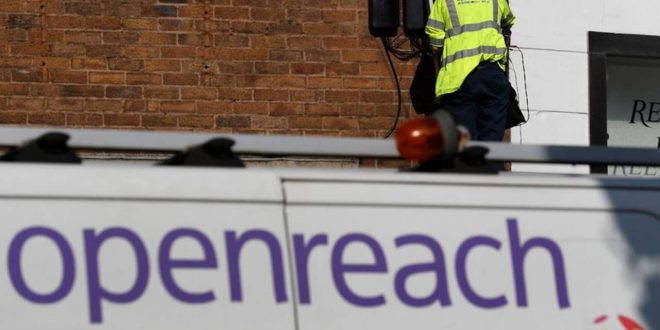 BT offers long-term price deal to lure wholesale fibre customers