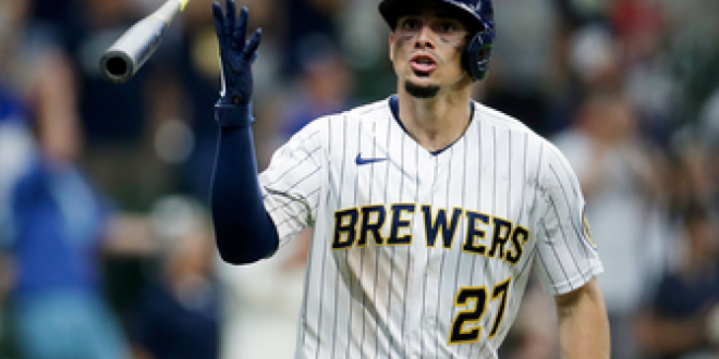 Brewers register 10 runs in the eighth to pull away from Cubs, 14-4