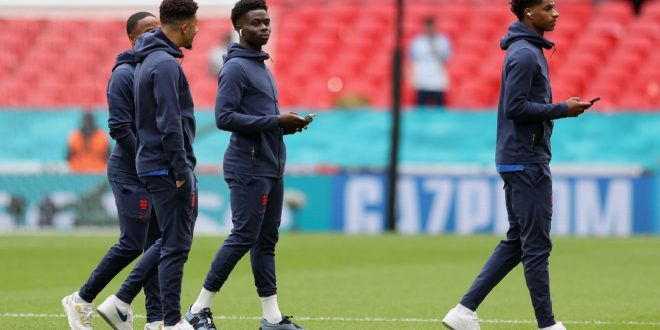Police arrest 4 for racist abuse of England players