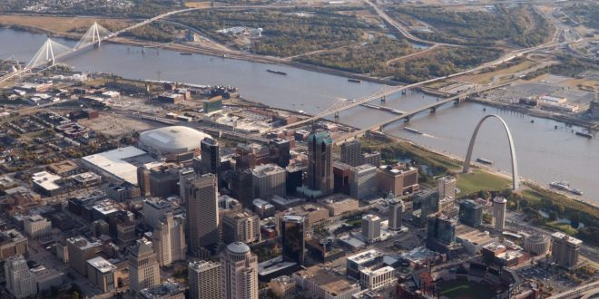 Two Bull Sharks Swam Up the Mississippi River All the Way to St. Louis