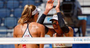 Ross, Klineman cruise in beach volleyball opener