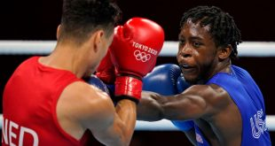 Davis' rout caps 3-0 start for U.S. men's boxing
