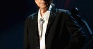 Bob Dylan Beats Lawsuit Over $300M Catalog Sale