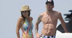 Lionel Messi Shows Off Shredded Abs On Vacay With Wife And Luis Suarez