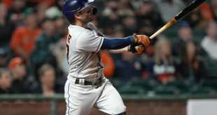 José Altuve swats two homers, drives in five runs in Astros' 9-6 win over Giants
