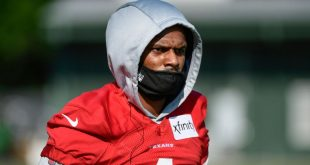 Texans QB Taylor: Watson 'absolutely' a resource